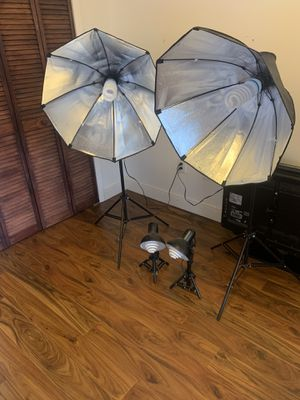 Photography Softbox Lighting Kit - Includes 4 lights and 4 bulbs - Excellent Condition! for Sale in Miami, FL