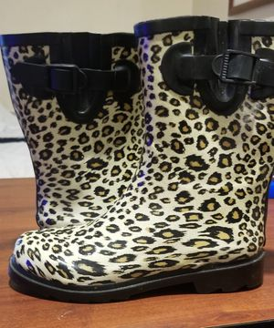 Rain boots. Size 6 Never worn! for Sale in Oklahoma City, OK