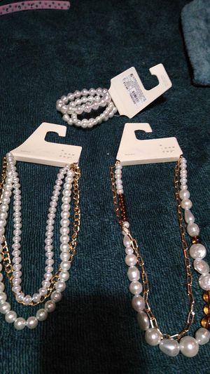 Bonitos collares y pulceras for Sale in Fresno, CA
