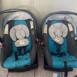 Graco Snugride 30 Car Seat Click Connect for Sale in Houston, TX