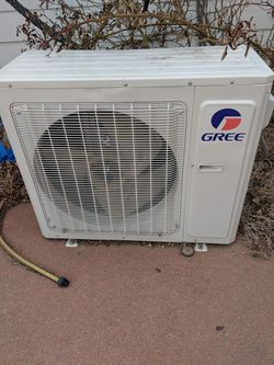 Gree AC air conditioner and heater mini spliter for Sale in Littleton,  CO