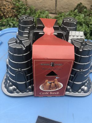 Cake/ Dessert Pans for Sale in West Covina, CA