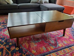 Mid Century Modern Lift Top Wood Coffee Table - Good Condition for Sale in Bethesda, MD