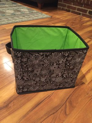SCOUT brand Hang 10 Storage Bin for Sale in Bethel Park, PA
