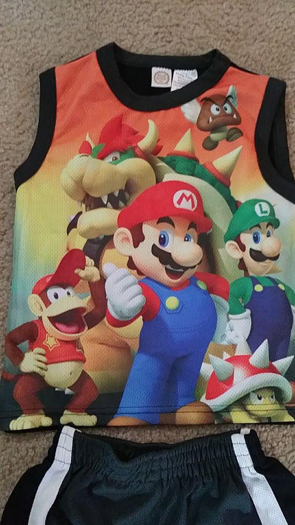 Boys 4-6 ™Nintendo Mario Brothers set LIKE NEW