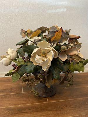 Large dried flower arrangement with vase for Sale in Phoenix, AZ