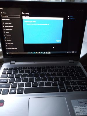 Mini aspire touchscreen laptop and charger for Sale in Chicago, IL