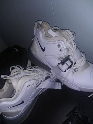 Nikes size 10 for Sale in Del Valle, TX