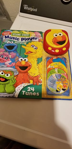 Sesame street. Music player. 4 CD for Sale in Woodbridge, VA