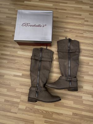 Boots - Size 8 for Sale in Carson, CA