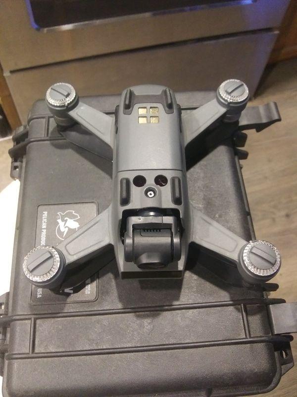 Dji spark drone with controller an pelican case