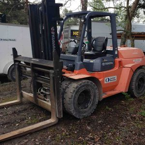Toyota Forklift (14,000lb Capacity) for Sale in Kent, WA