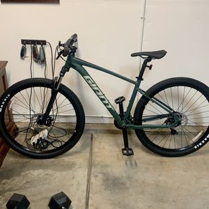 Giant Mountain Bike For Sale for Sale in Fremont, CA