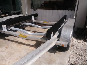20 ft 2 axle aluminum boat trailer for Sale in Fort Lauderdale, FL