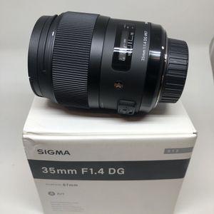Sigma Art 35mm f/1.4 for Nikon for Sale in Philadelphia, PA