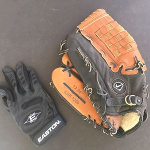 Nike 12 inch baseball glove And Batters Glove Catch Right Throw Left for Sale in San Antonio, TX