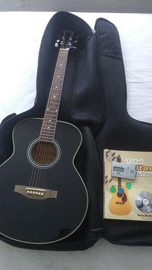 Carlo robelli guitar with bag ,picks, tutorial book ,tuner for Sale in Fontana, CA