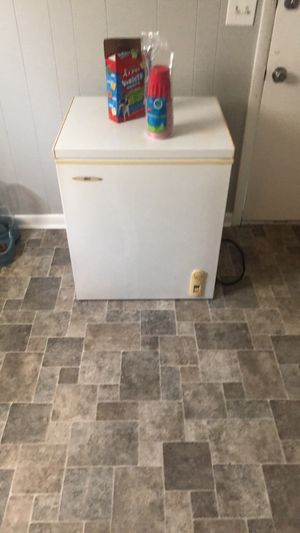 Deep freezer for Sale in Columbia, TN