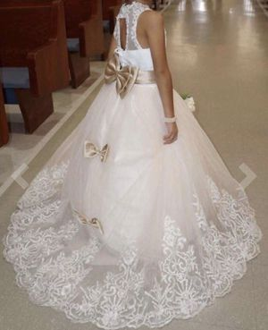 Flower girl dress with small train for Sale in Gaithersburg, MD