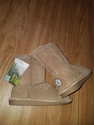 Bearpaw winter boots for girl size 13 for Sale in Arlington Heights, IL