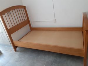 TWIN BED FRAME GREAT CONDITION for Sale in Hollywood, FL