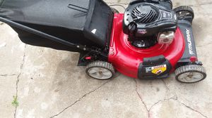 Push Murray lawn mower works good starts first pull for Sale in Kansas City, MO
