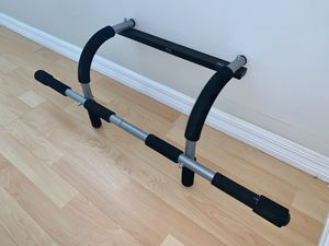 Pull Up Bar - Home Gym Bar- Iron Gym® - Great Condition for Sale in Fort Lauderdale, FL