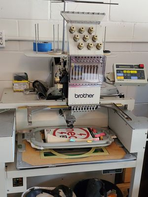 Embroither machine brother for Sale in Kissimmee, FL