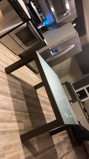Beautiful glass Dining Table for Sale in Portland, OR