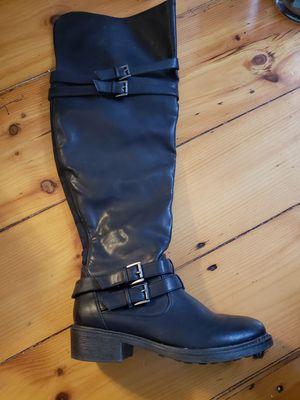 Womens heavy duty boots for Sale in Kingston, MA