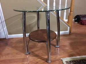 Great condition side table must see !!! for Sale in South Riding, VA