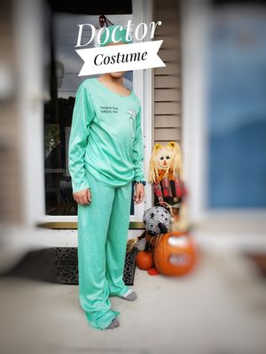 Doctor Costume, size L for Sale in Chicopee, MA