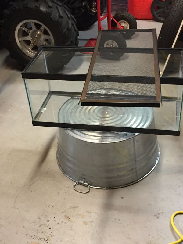 20 gallon long fish tank/hamster cage with accessories