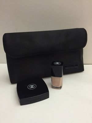 CHANEL Nail Polish, Lip Palette and Cosmetic bag for Sale in Dublin, OH
