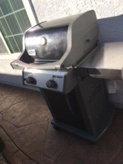 Weber BBQ Grill for Sale in San Marcos, CA
