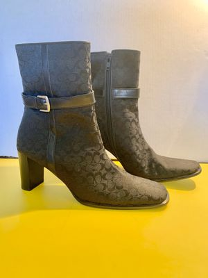 COACH Ankle Boots Sz: 6.1/2 B authentic for Sale in Santa Fe Springs, CA