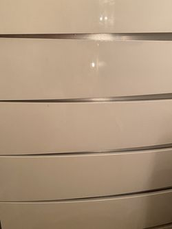 White dresser and 2 sets of side table for Sale in Lake Oswego,  OR