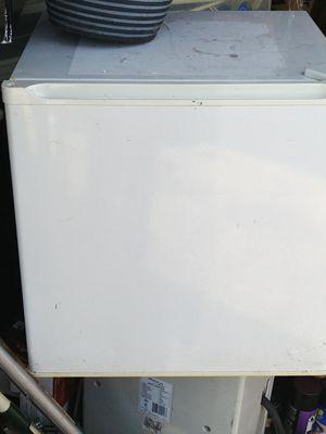 Mini fridge for Sale in Aurora, IL