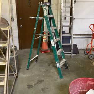 6 foot Gorilla ladderone sided step ladder for Sale in Farmingdale, NY