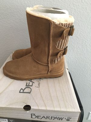 Bearpaw boots size 7 for Sale in Riverbank, CA