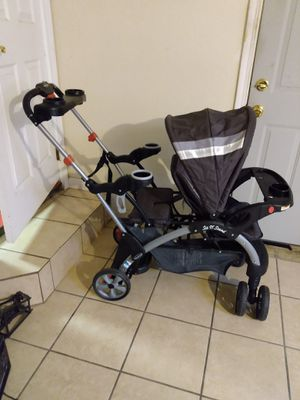 Sit n stand baby trend stroller double -- area de oildale for Sale in Bakersfield, CA