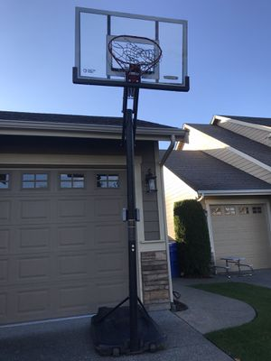 Free Basketball Hoop- sold Pending pickup tonight for Sale in Puyallup, WA
