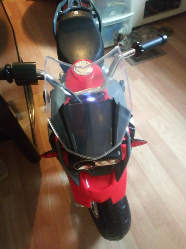 Kids BMW Motorcycle/Battery operated
