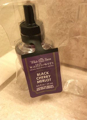 Bath & Body Works (white barn) for Sale in Madera, CA