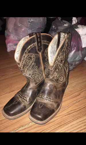 Cowgirl boots for Sale in Peoria, IL