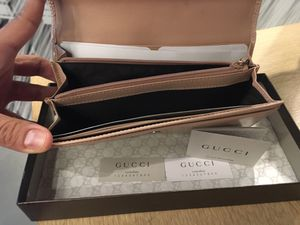 Gucci wallet for Sale in Richmond, CA