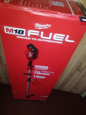 MILWAUKEE M18 FUEL STRING TRIMMER NUEVO W/ 9.0 AH BATTERY for Sale in Los Angeles, CA