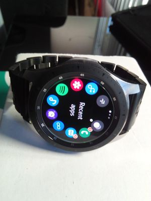 Samsung GALAXY WATCH! Makes Calls and Texts :) 4G LTE, WIFI, Bluetooth (Pairs with headphones), Samsung Pay, Waterproof for Sale in Los Angeles, CA