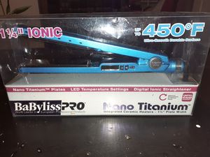 Babyliss PRO straightener nano titanium for Sale in Everett, WA