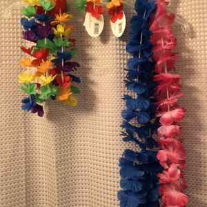 7 pcs Hawaiian Party Necklaces, Headbands and Wristbands for Sale in Everett, WA
